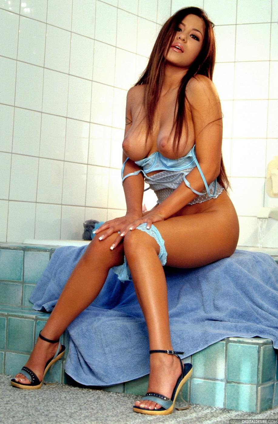 Смотреть Jenaveve Jolie онлайн